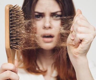 Hormonal değişiklikler saç dökülmesini tetikliyor