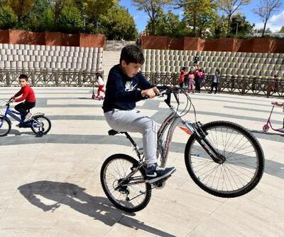 Başkentli çocuklar 'Scooter ve Bisiklete Binme Etkinliği'nde buluştu