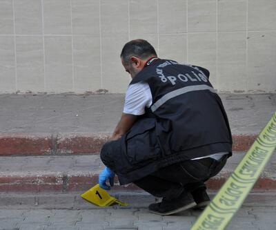 Adana'da akrabalar arasındaki kavgada kan aktı