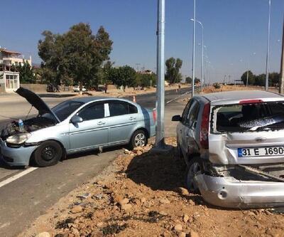 Hassa'da iki otomobil çarpıştı: 6 yaralı