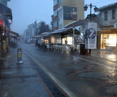 Trakya'daki sağanak yağış hayatı felç etti