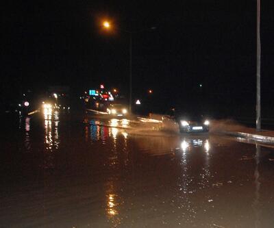 İstanbul - Çanakkale yolunda ulaşıma yağmur engeli