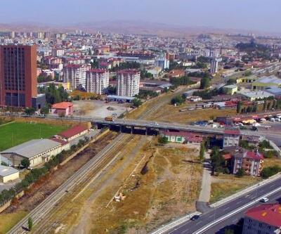 Sivas'ta köprülerde tadilat çalışması