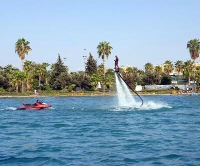 Adana'da su üzerinde akrobasi şov nefes kesti