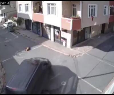 Yolda uyuyan köpeği ezdi, hiçbir şey olmamış gibi yoluna devam etti