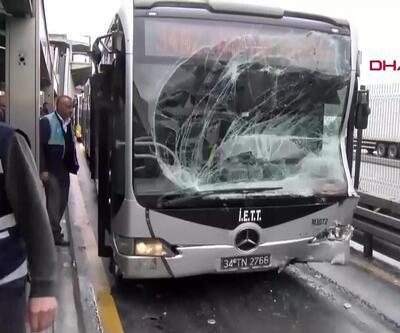 Haramidere'de iki metrobüs çarpıştı