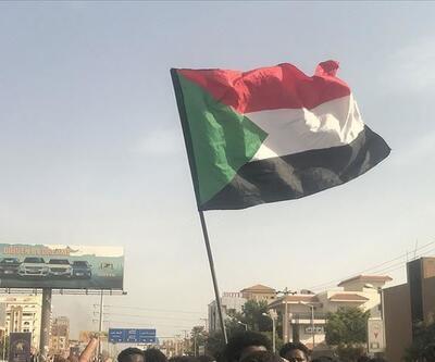 Sudan'da OHAL 3 ay uzatıldı