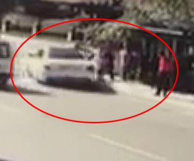 Son dakika... Pendik'te otomobil durağa daldı: Yaralılar var