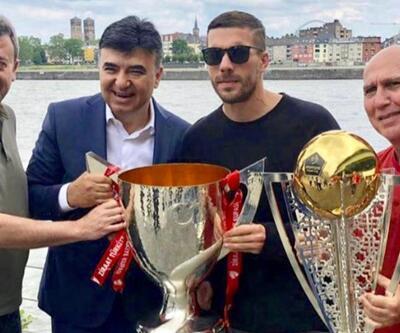 Lukas Podolski yeni takımını arıyor