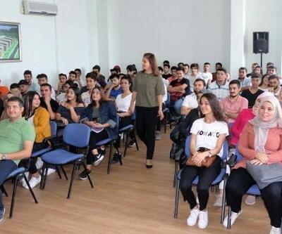Üniversite öğrencileri, İş Kulübü Tanıtım Semineri'nde buluştu