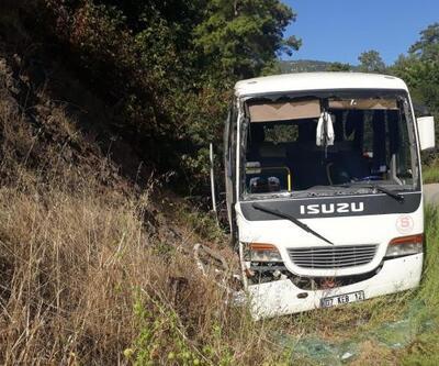 Tur midibüsü devrildi: 3'ü turist 4 yaralı