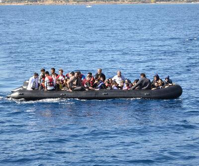 Lastik bot içinde 55 kaçak göçmen yakalandı