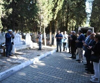 Çanakkale eski Belediye Başkanı Tabak, mezarı başında anıldı