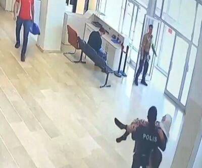 Polis, yürümekte zorlanan 85 yaşındaki kadını kucağında taşıdı