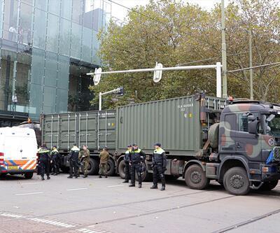 Dört bir yandan meydana akın ettiler! Hollanda ordusu devreye girdi