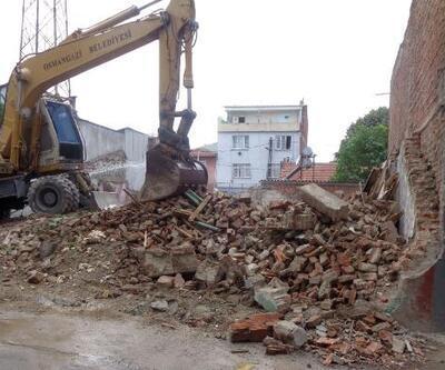 Osmangazi Belediyesi 85 metruk binayı yıktı