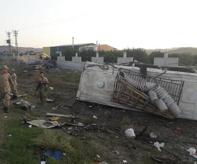 Hatay'da tarım işçilerini taşıyan midibüsle TIR çarpıştı: 20 yaralı