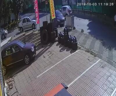 İçinde bebeğin de bulunduğu araçtan böyle çıktılar