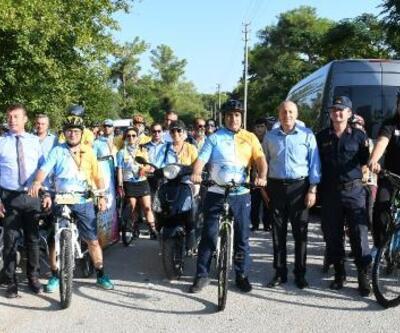 Bisiklet sporuna dikkat çekmek için pedal çevirdiler