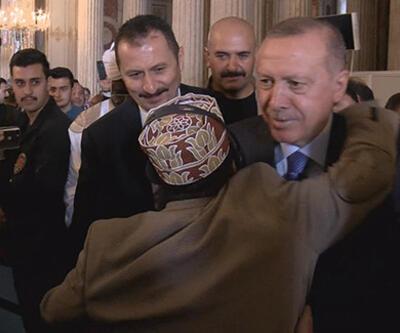 Cumhurbaşkanı Erdoğan'ı görünce 'Reis' diye seslendi, bir anda sarıldı