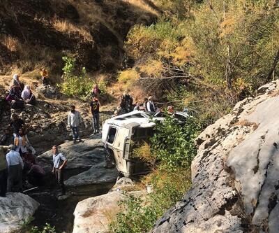 Son dakika... Diyarbakır'da minibüs devrildi: 2 ölü, 5 yaralı
