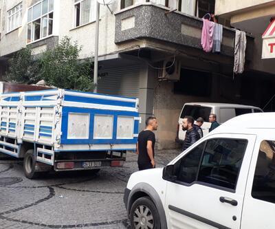 Pencereden atlayan kadını tutarken ağır yaralandı