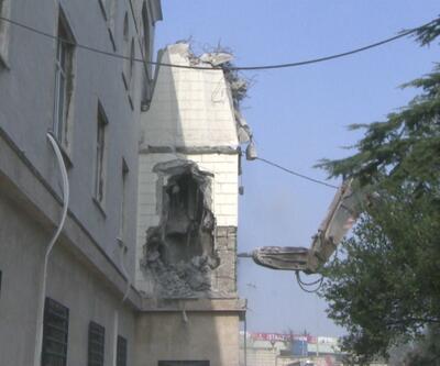 O caminin diğer minaresi de söküldü
