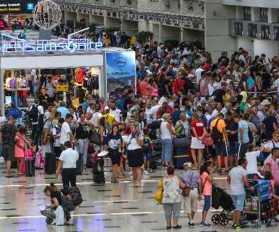Antalya'da tarihi rekor! 14 milyon turist geldi