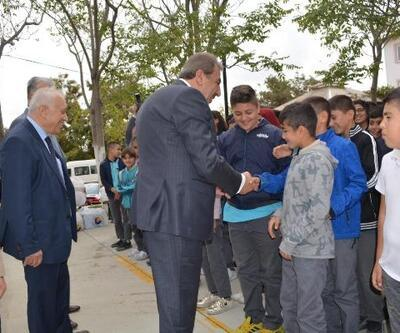 Ankara Ticaret Borsası'ndan öğrencilere yardım