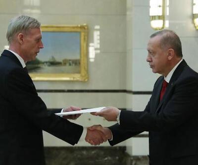 Büyükelçilerden Erdoğan'a güven mektubu