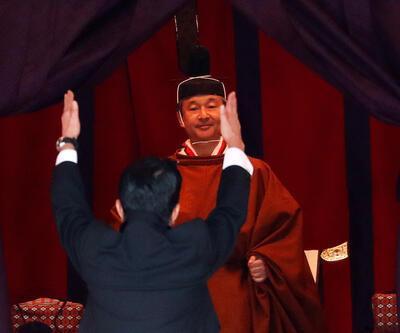 Japonya'da Naruhito tahta çıktı: Başbakan Abe yeni imparatoru böyle selamladı
