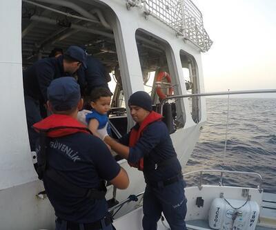Lastik bot içinde 30 kaçak göçmen yakalandı