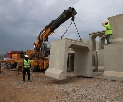 Suriye sınırına beton mevzi takviyesi