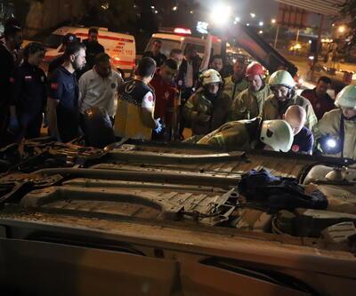 Takla atan otomobilde sıkışan sürücü yarım saatte kurtarıldı