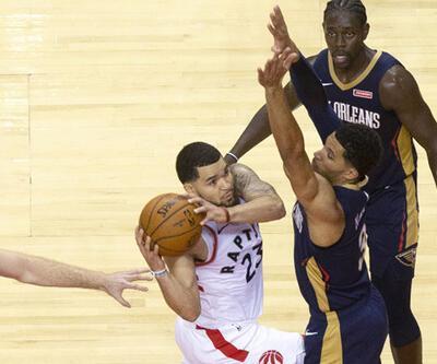 Son şampiyon Raptors galibiyetle başladı