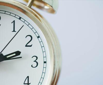 Saat kaç? Saatler geri mi alındı? CNN TÜRK canlı yayın saati