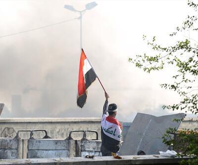 Gösterilerin sürdüğü Irak'ta 4 milletvekili istifa etti