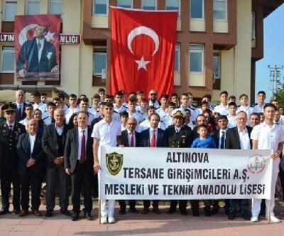 Altınova'da 96. yıl coşkusu