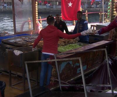 Eminönü'ndeki balık ekmekçikler tarih oluyor