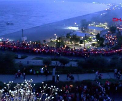 Binlerce kişi fener alaylarına katıldı