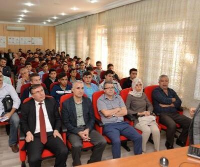 Meslek liselilere 'Bilim ve teknoloji' semineri