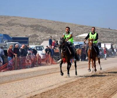 Menemen'de rahvan at yarışı heyacanı yaşandı