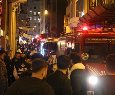 Taksim'de bir otelde çıkan yangın paniğe neden oldu