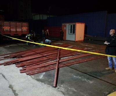 Kamyonet, demir taşıyan forklifte çarptı: 1 ölü, 1 yaralı