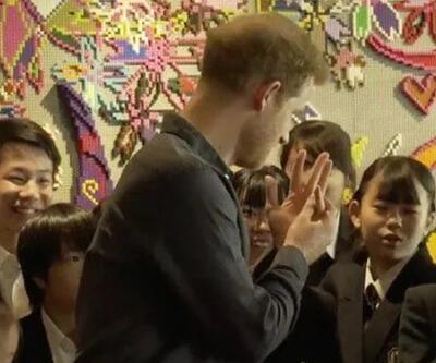 'Yakışıklı' diye seslenilen Prens Harry'den alyanslı yanıt