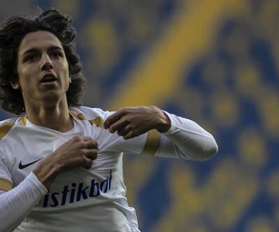 15 yaşındaki Emre Demir Süper Lig tarihinin en genç golcüsü oldu