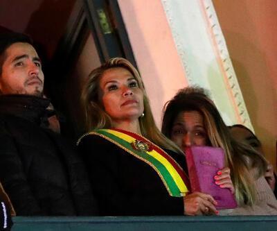 Jeanine Áñez Bolivya'da kendisini geçici devlet başkanı ilan etti