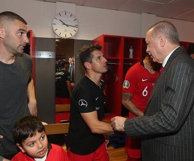 Emre Belözoğlu: Bu takımın parçası olmak büyük bir şeref