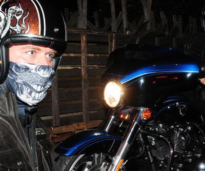 Kıvanç Tatlıtuğ 300 bin TL'lik motosikletiyle yollarda