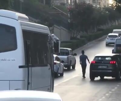 Kornalara aldırmadan trafiğin ortasına daldı